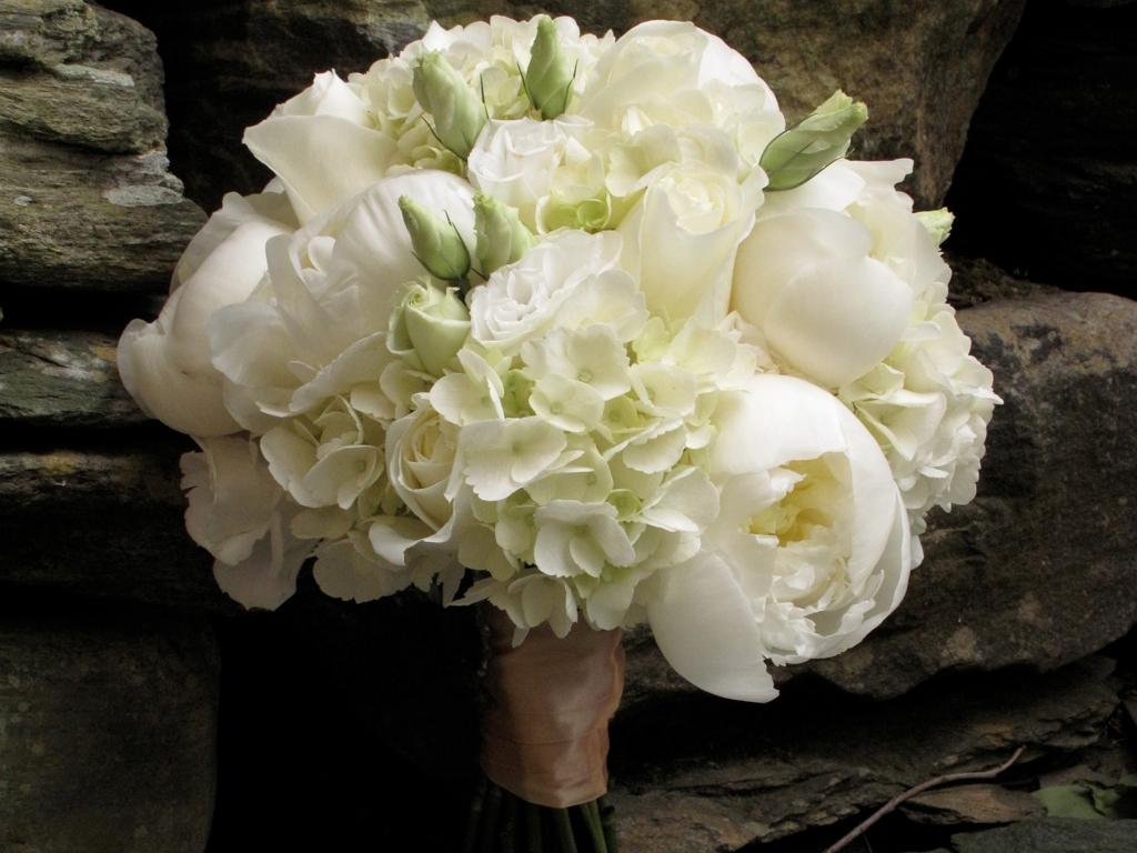 june wedding at the round barn floral artistry by alison ellis. Black Bedroom Furniture Sets. Home Design Ideas