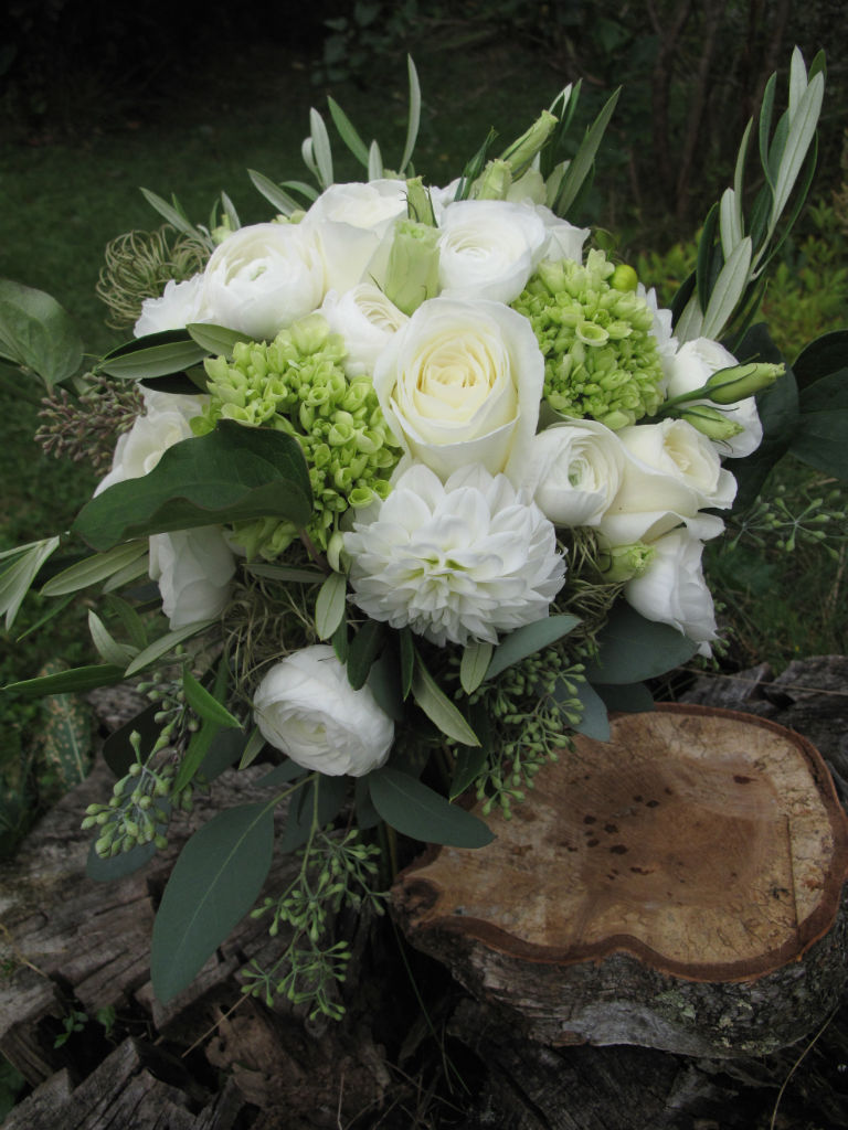 white and green wedding flowers vermont flowers