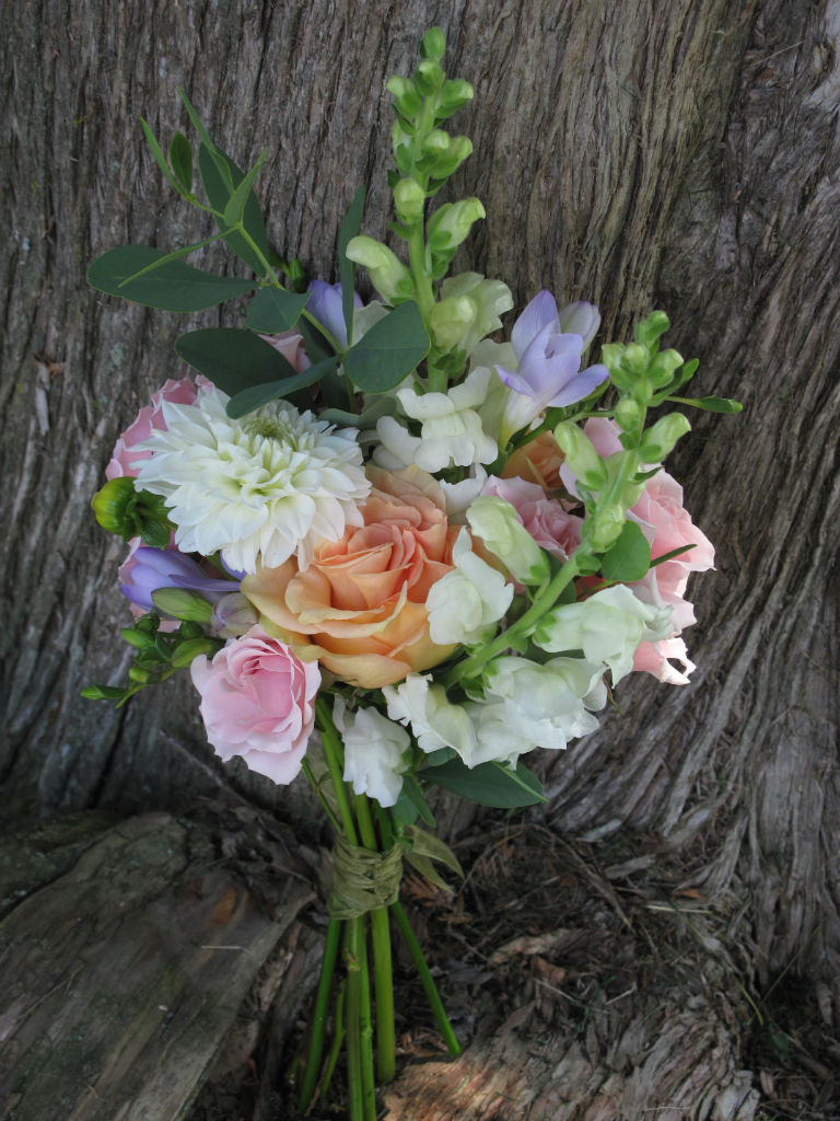 garden inspired wedding flowers