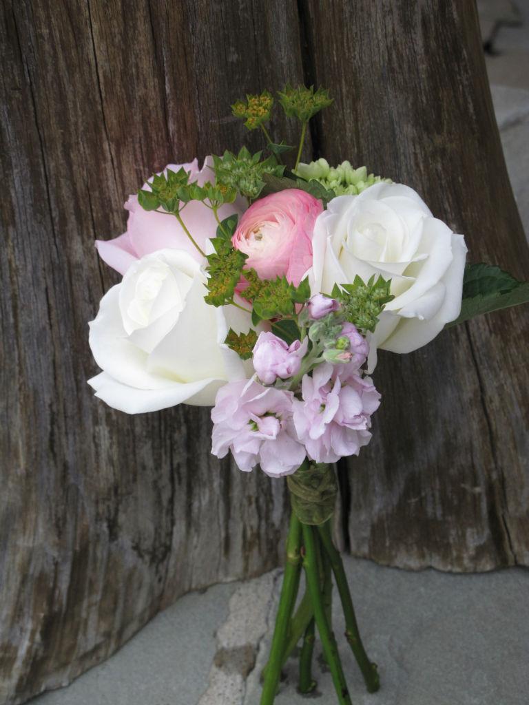 Mother of bride's clutch bouquet