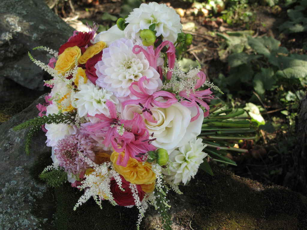 Bridal bouquet by Alison Ellis, Floral Artistry