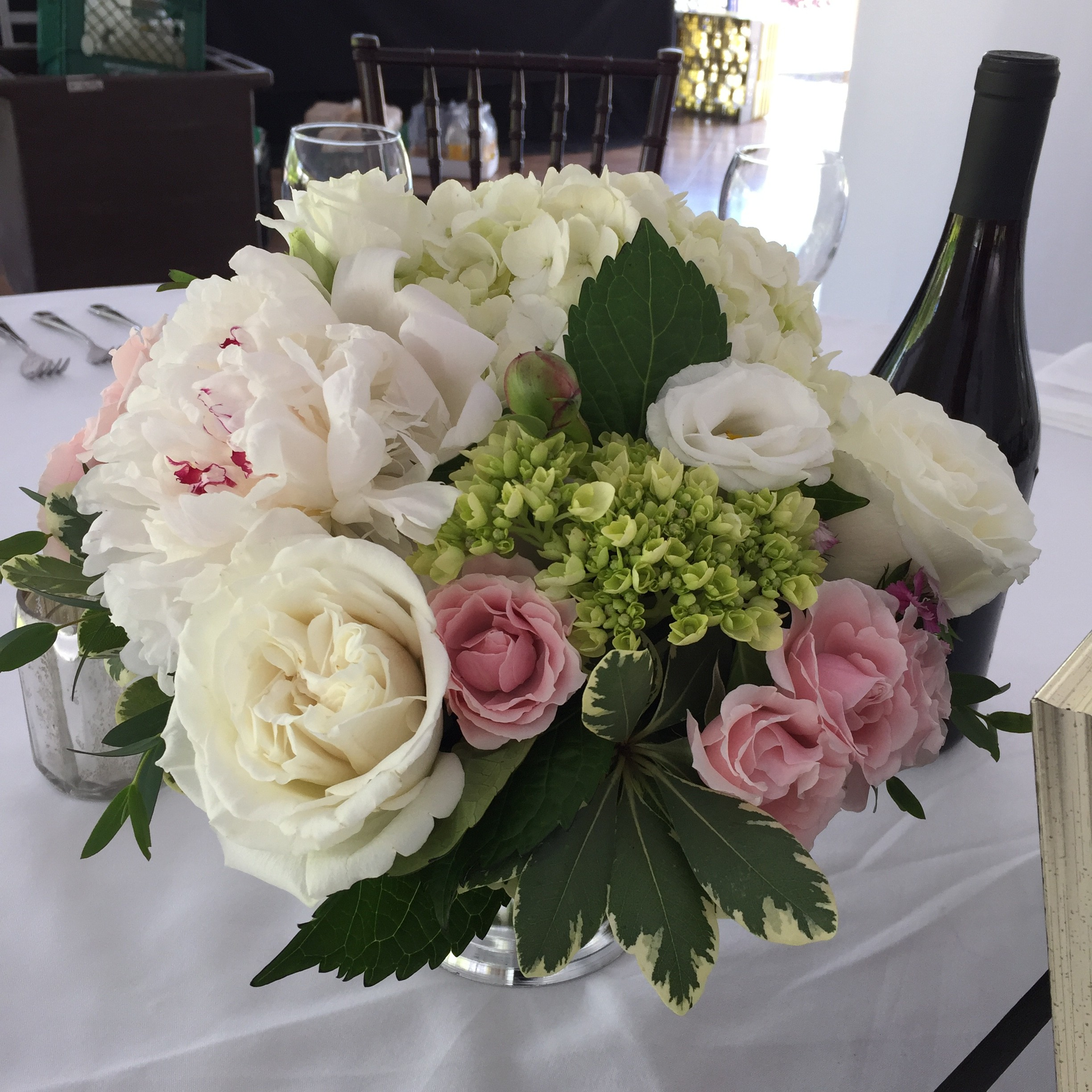 Floral Artistry, Vermont Wedding Flowers, Peony centerpiece, Topnotch Resort, Wedding in Stowe