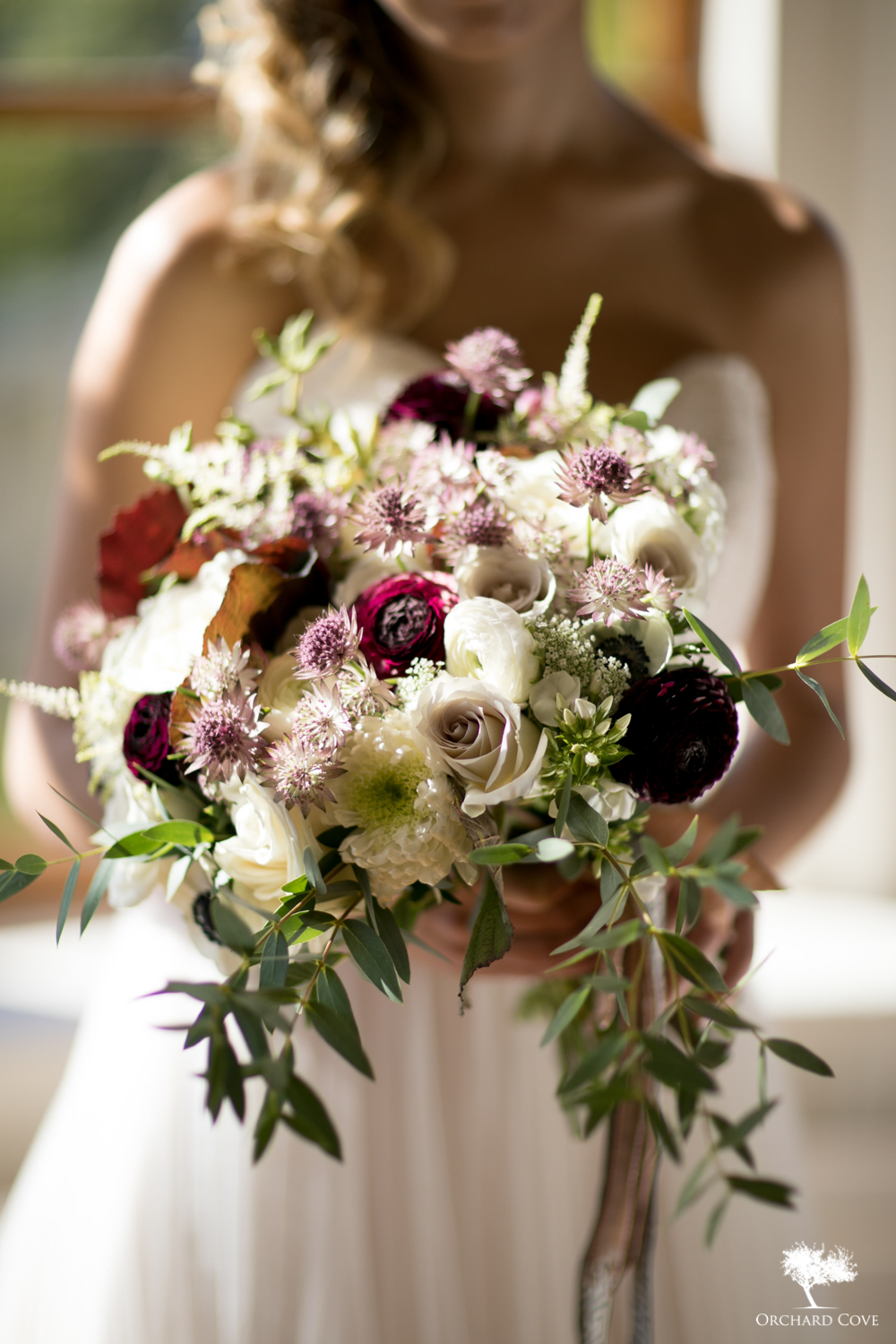 plum and white palette, bridal bouquet by Alison Ellis