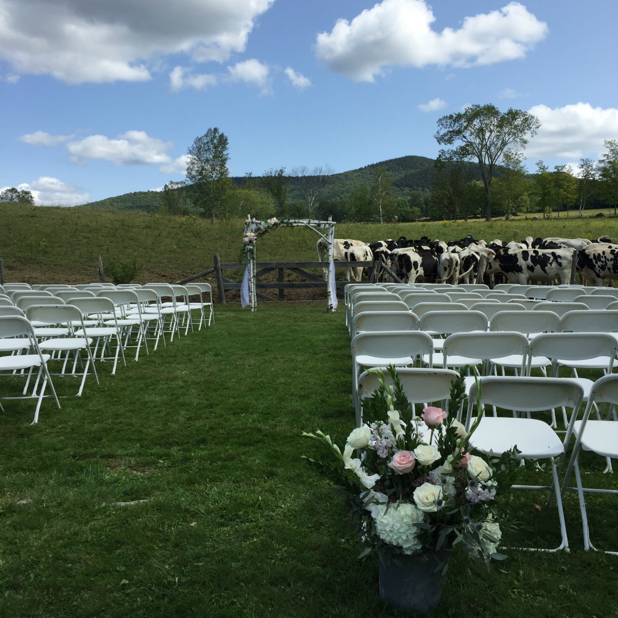 Wedding at The Round Barn, Flowers by Alison Ellis